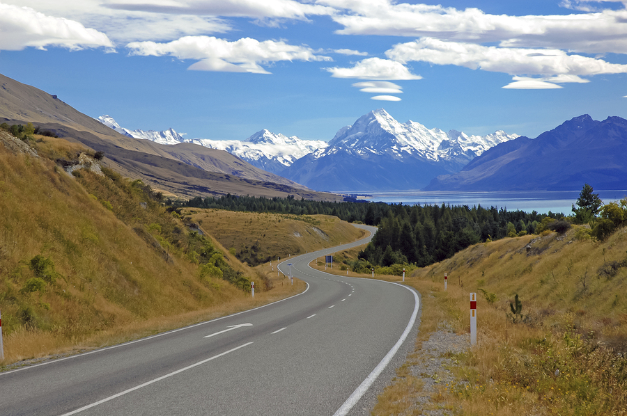 The Road to Mount Cook / Aoraki, Mount Cook National Park, South